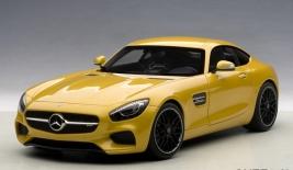 MERCEDES AMG GT-S (2015)