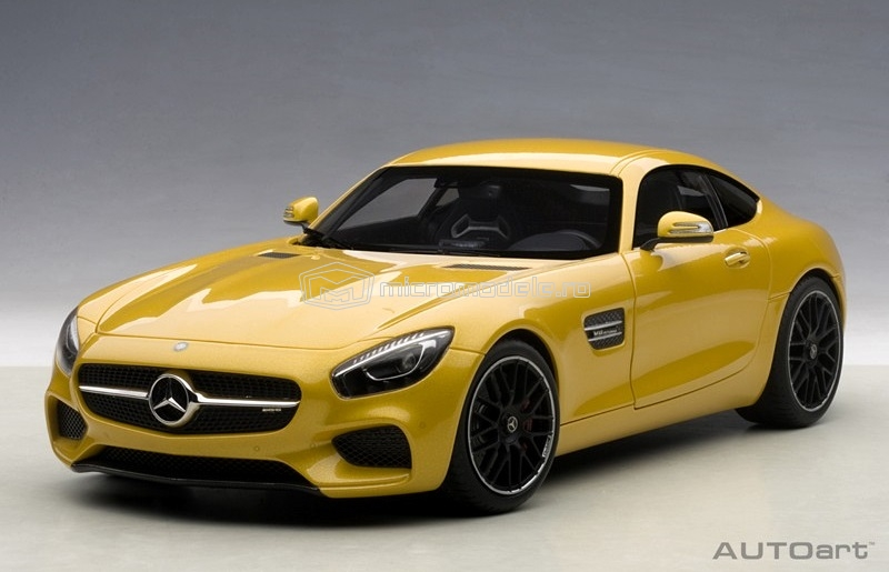 MERCEDES AMG GT-S (2015)