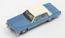 CADILLAC Deville Sedan (1977)