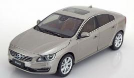 VOLVO S60 (2015)